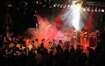 Inside on stage mit umfangreichem Live-Programm