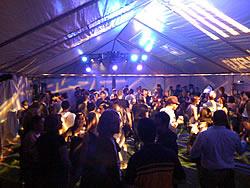 party stimmung im festzelt
